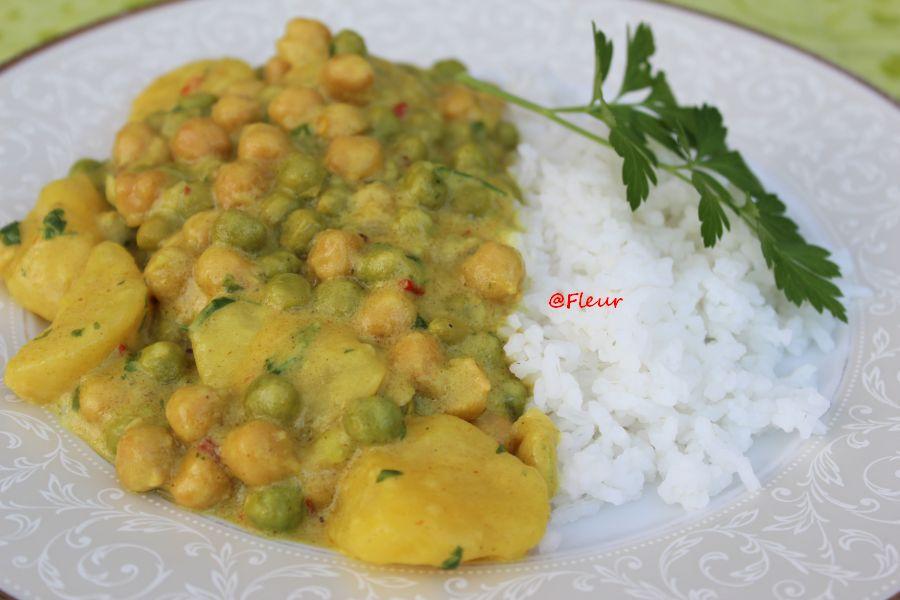 Potato, pea and chickpea curry