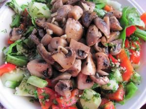 salata cu ciuperci sote