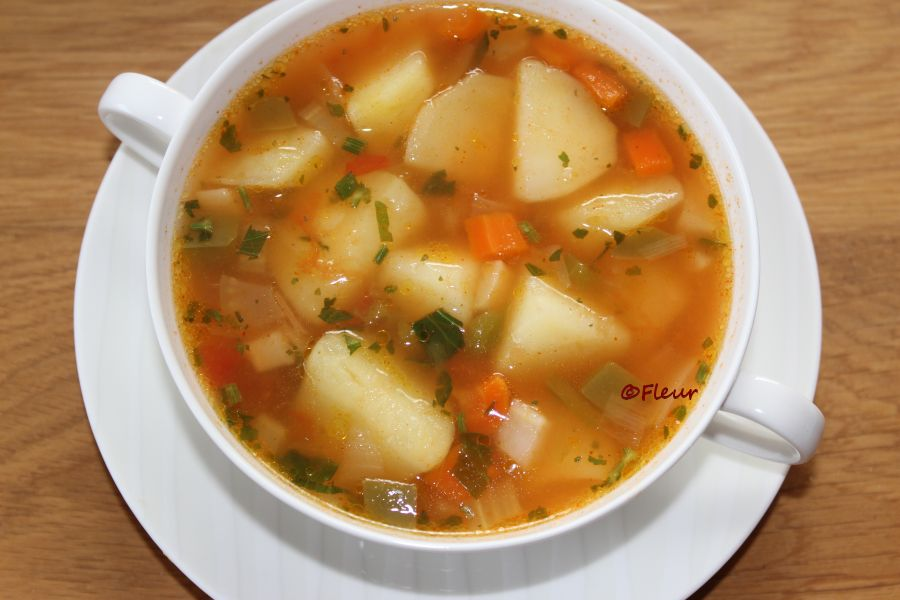 Potatoes sour soup