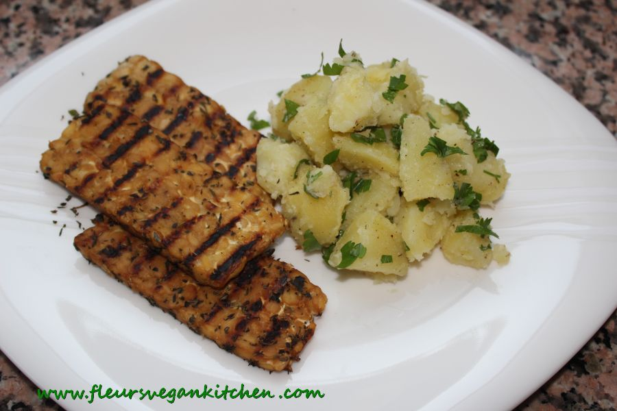 Grilled tempeh with parsley potatoes
