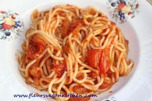 spaghetti cu rosii cherry