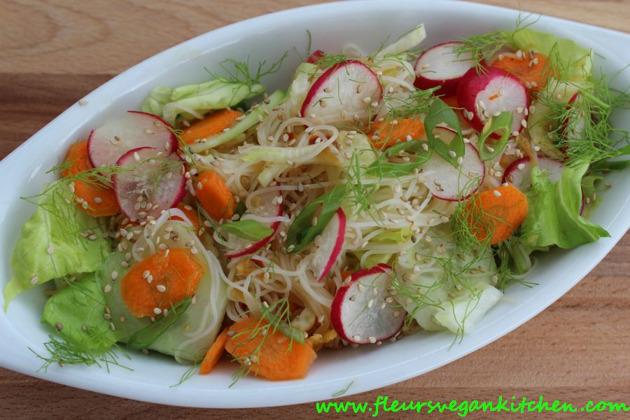 Rice noodles salad