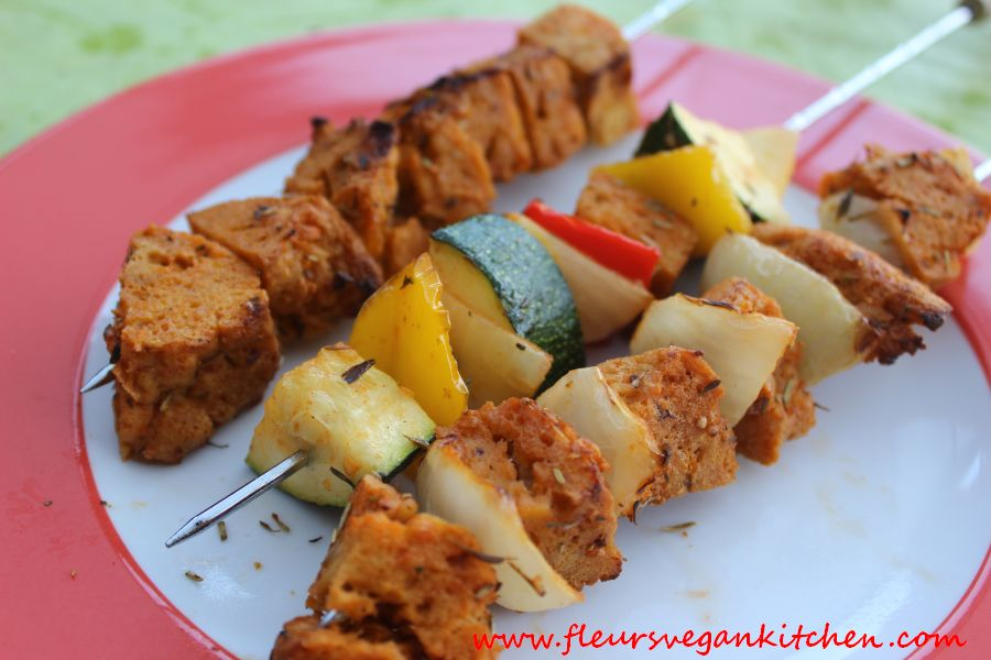 Grilled seitan & vegetables skewers
