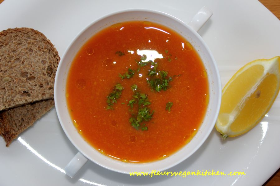 Red lentil, carrots and ginger soup