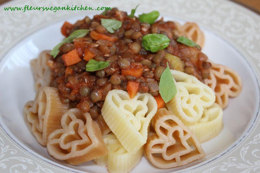 Pasta al ragù bolognese di lenticchie